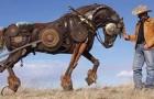 La fattoria abbondava di scarti in metallo: ecco come questo contadino ha deciso di riutilizzarli. Wow!