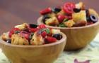 Bruschetta al pomodoro: un classico della cucina italiana... con una presentazione ORIGINALE!