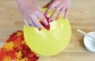 Incolla le foglie su un palloncino: ciò che ottiene è un oggetto per la casa in pieno stile autunnale!