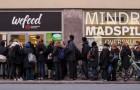 Au Danemark, un magasin qui ne vend que des produits PÉRIMÉS ouvre ses portes: le succès est incroyable