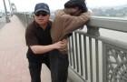 Sorveglia un ponte da 13 anni: conosciamo l'uomo che ha salvato più di 300 vite fino ad oggi