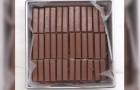 Copre la teglia di Kit Kat: quando scoprirete la farcitura non potrete resistere alla tentazione!