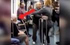 Deze man begint te dansen met een jonge vrouw in de metro: de reactie van zijn vrouw is direct!