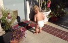 Children discover their shadow for the first time