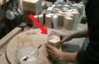 Hij snijdt tientallen houten latjes: het eindresultaat is een perfect en adembenemend mooi voorwerp!
