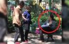 Amamenta o seu filho em um parque: a reação de duas pessoas que passam vai te fazer ficar com muita raiva!