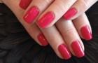 Smalto mania: cosa comporta alla salute l'Ossessione delle unghie colorate?