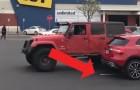 Een man parkeert op 2 parkeerplekken tegelijk, maar betaalt hier uiteindelijk zelf de prijs voor!