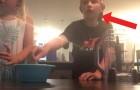 Een broer en een zus maken hun eerste video, als hun huis wordt getroffen door een TORNADO!