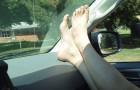 Warum du im Auto niemals so sitzen solltest
