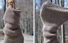 De laatste mode: gigantische sjaals die je kunt dragen als kleding
