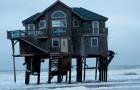7 berühmte Häuser, die an den unmöglichsten Orten gebaut wurden