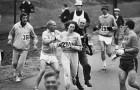 Una donna viene strattonata durante la maratona di Boston del 1967: ecco quale regola aveva infranto