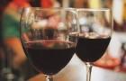 Due bicchieri di vino al giorno fanno bene: aiutano il cervello a rimuovere le tossine