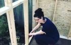 Elle n'a plus de maison après son divorce : cette mère en construit une TOUTE SEULE pour elle et ses enfants.