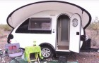 Een vrouw besloot om in deze piepkleine caravan te wonen: en het is alles wat ze nodig heeft