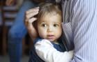 Una mamma condivide un metodo semplice per insegnare ai bambini a non interrompere le conversazioni