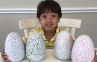Dieses 7-jährige Kind verdient mehr als 20 Millionen Dollar pro Jahr, indem es Videobewertungen von Spielzeug macht