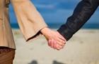 Voilà pourquoi les couples vraiment heureux publient moins sur les réseaux sociaux