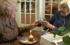 De lärde känna varandra för 84 år sedan och har varit vänner sedan dess. Varje år firar de sin födelsedag tillsammans