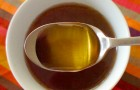 What happens to your body if you eat a tablespoon of honey every day? ...
