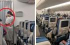 Prima del decollo, una mamma distribuisce dei pacchetti a bordo dell'aereo: il contenuto ha stupito tutti i passeggeri