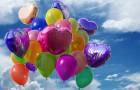 Es ist an der Zeit, sich von Luftballons zu verabschieden: Sie in der Luft steigen zu lassen bedeutet, die Natur nicht zu respektieren