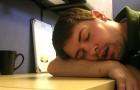 La sieste de l'après-midi : elle est bonne pour l'esprit et le cœur, et elle réduit considérablement le niveau de stress