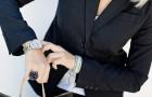 Kvinnor som tenderar att komma för sent lever längre enligt en överraskande studie