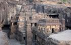 En Inde, il existe un temple construit à partir d'un seul bloc de roche : ses images sont uniques au monde