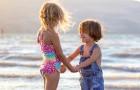Ecco 5 comportamenti da adottare con un bambino che è appena diventato fratello maggiore