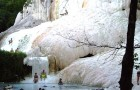Bagni San Filippo: ritrovare sé stessi fra rocce bianche e acque termali a due passi da Siena