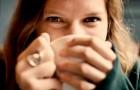 Imparare ad ignorare le persone cattive fa bene all'anima e ci migliora la vita