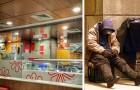 Esta mujer ha sido echada de un fast-food porque quería ofrecer comida a un grupo de indigentes