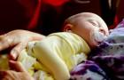 Un estudio confirma: los mimos y el contacto físico son fundamentales para el bienestar de un niño