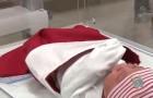 Sedan flera årtionden tillbaka skickar det här sjukhuset hem bebisar med gulliga små julstrumpor