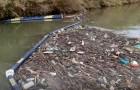 La barriera anti-plastica sul Tevere ha bloccato 460 chili di rifiuti prima che arrivassero nel mare