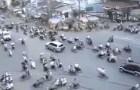 Ho Chi Minh traffico delirante