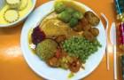 Addio ai cibi precotti: finalmente le mense scolastiche americane introducono menu cucinati al momento
