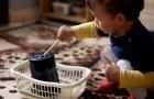 En mamma bestämmer sig för att skriva kontrakt med sina 3 barn för att tvinga dem att städa hemma