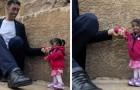Een recordbrekende ontmoeting: de langste man ter wereld en de kleinste vrouw ter wereld samen voor een commercial