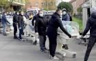 Croacia: más de mil Ultras transportan las incubadoras a las salas de maternidad luego de la devastación del terremoto