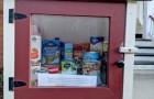 Coronavirus: le librerie di casa diventano dispense gratuite di cibo e carta igienica per chi ne ha più bisogno