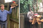 Een jongen bouwde een schattige miniatuur picknicktafel in zijn tuin voor de eekhoorns