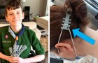 Ein Junge druckt in 3D Ohrenschutze für Ärzte und Krankenschwestern, die die Maske tragen