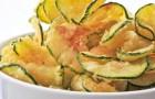 Courgette chips: licht, vetvrij en eenvoudig in een paar minuten in de oven te bereiden