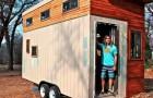 Een student bouwt een minihuis op wielen om de huur niet te betalen: het is klein maar van alle gemakken voorzien
