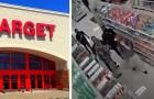 De toezichthouder van een supermarkt wordt aangevallen door twee klanten die weigerden een masker te dragen