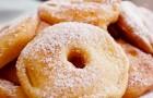 Gebackene Apfelringe: Wie man sie ganz einfach im Ofen zubereitet
