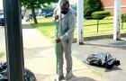 Een jongen maakte 10 uur lang de straten van zijn buurt schoon: hij werd beloond met een auto en een studiebeurs
